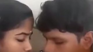 Indian slut gets tits sucked