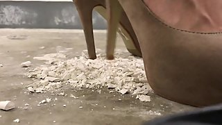 Chalk crush with high heels