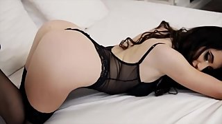 HOT WEBCAM GIRL 87: BRUNETTE WITH AWESOME ASS IN BLACK LINGERIE MUSIC CLIP
