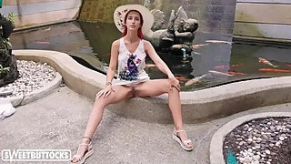 Sexy Babe Shows Pussy near the Public Fountain