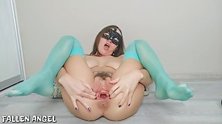 TEEN RIDING A BBC WITH A HUGE GAPING PUSSY, FISTING AND A LOT OF SQUIRT