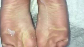 BF covers my feet in big load